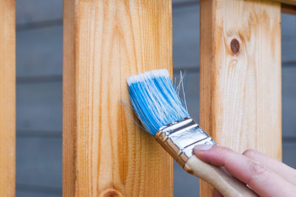 Feliz Services propose des prestations de bricolage, dépannage et petits travaux à domicile